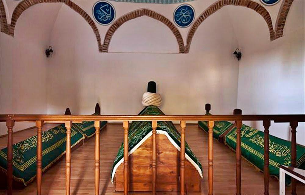 Tabduk-Tapduk-Taptuk-Emre-Turbesi--islamask