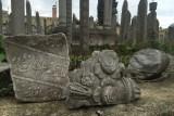 Eyup Camii, Cülus Yolu üzerindeki tarihi mezarların hali yür